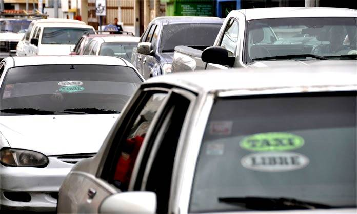 Manuel mirabal afirma no hay nuevos aumentos en servicio de taxi en el tigre - Oficina municipal del taxi ...