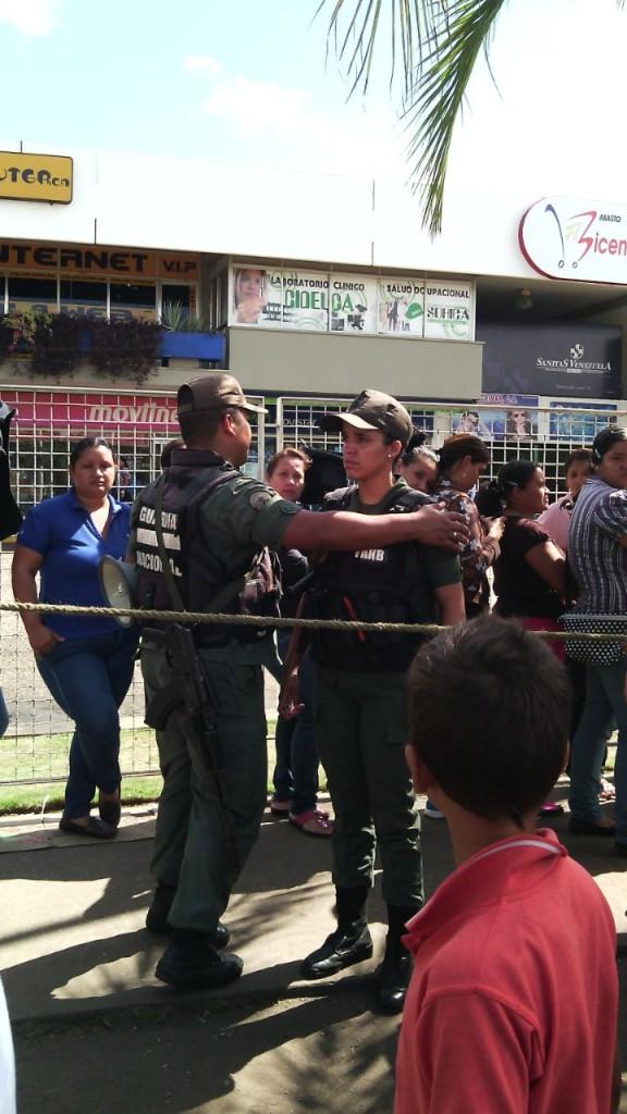Foto de Viviana Colmenares, presunta GNB que intentó agredir a las mujeres