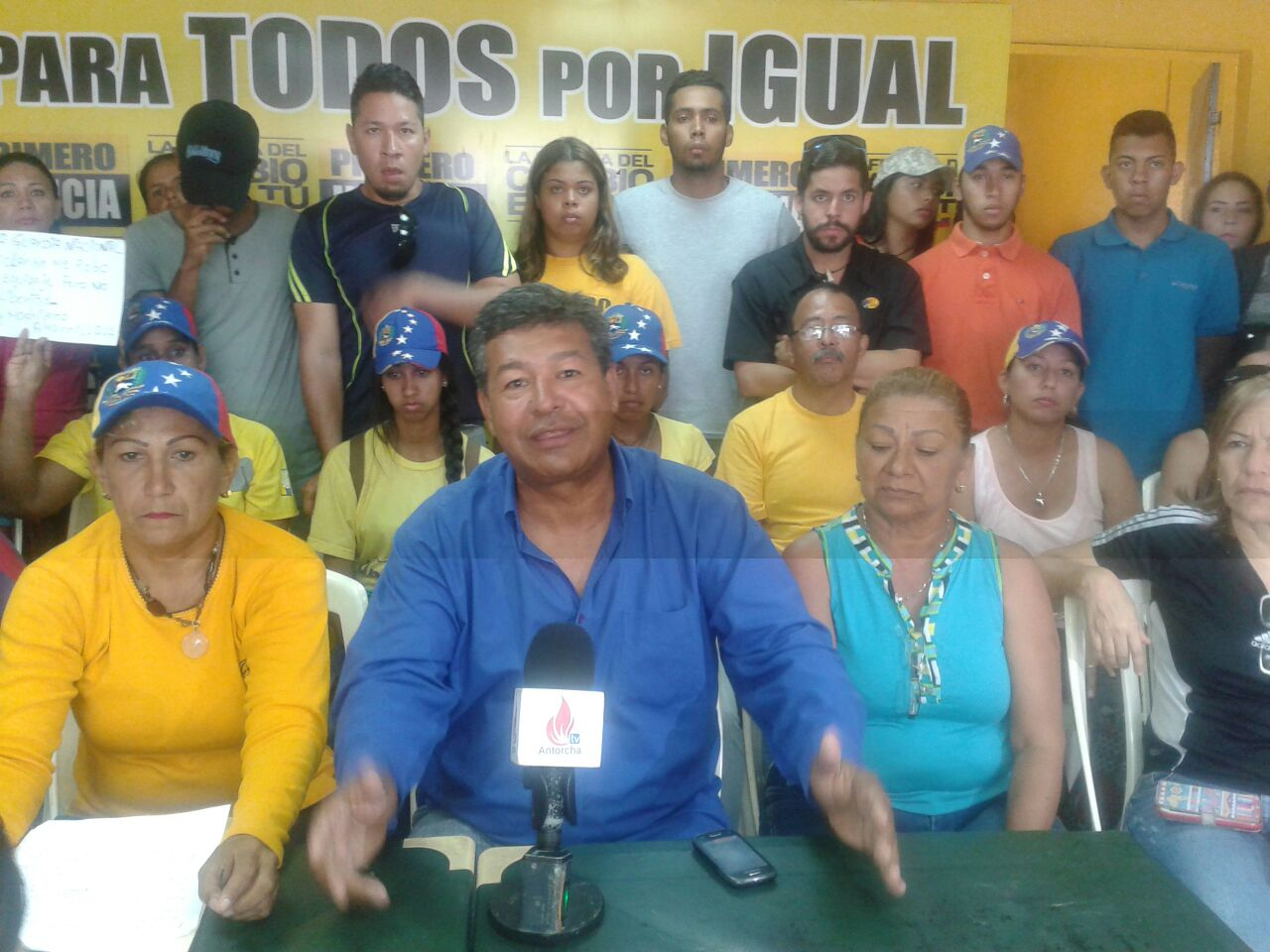 Tito Mata, coordinador PJ El Tigre acompaña a los militantes acosados