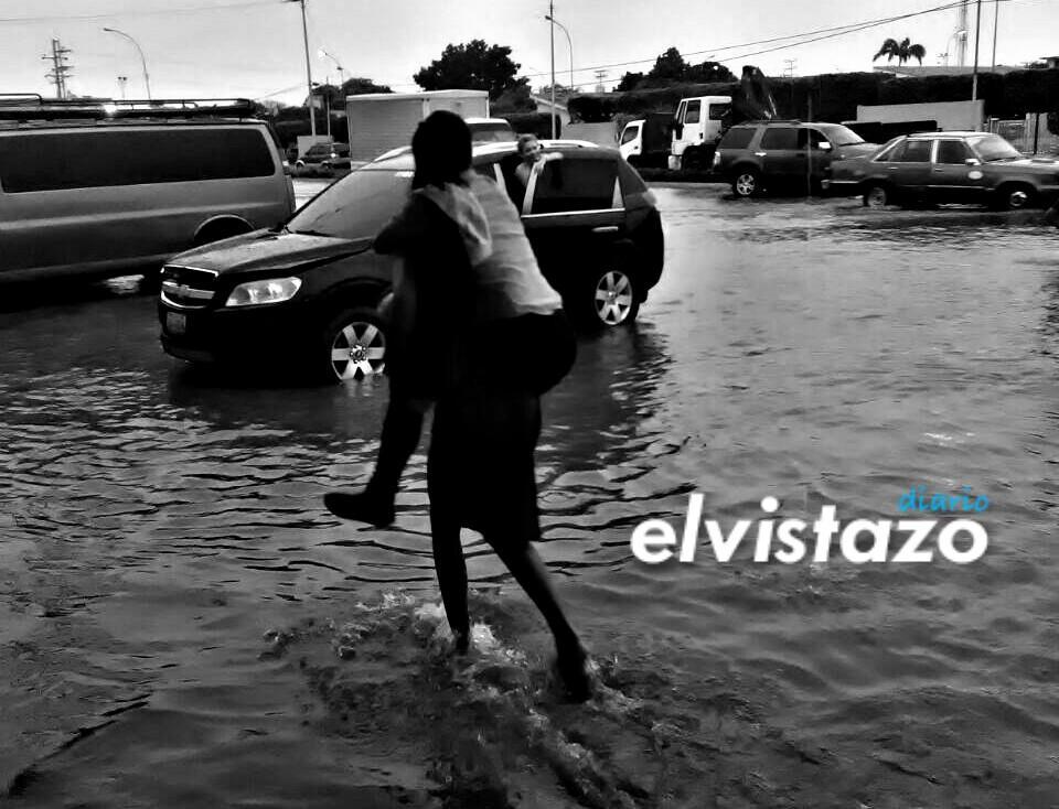 Lluvias en El Tigre / Av. Jesús Subero, frente a Urb. La Alameda