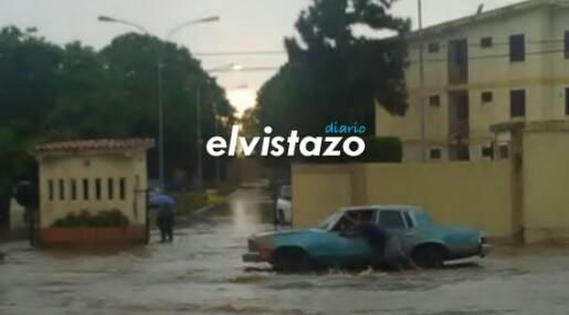 Lluvias en El Tigre / Entrada Urbanización La Alameda