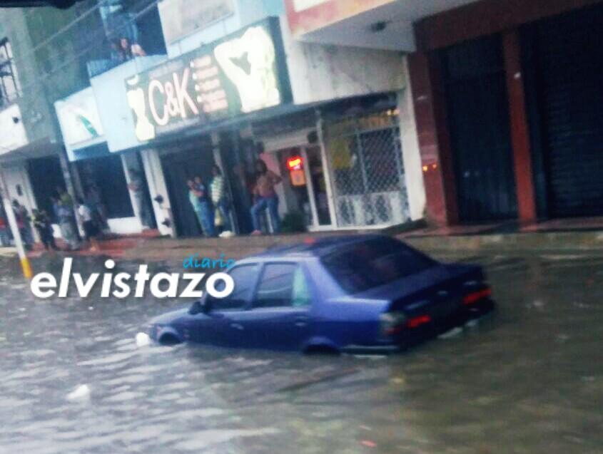 Lluvias en El Tigre / Avenida Francisco de Miranda