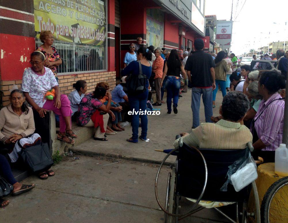 Así es el sufrimiento de los pensionados del Bicentenario en El Tigre