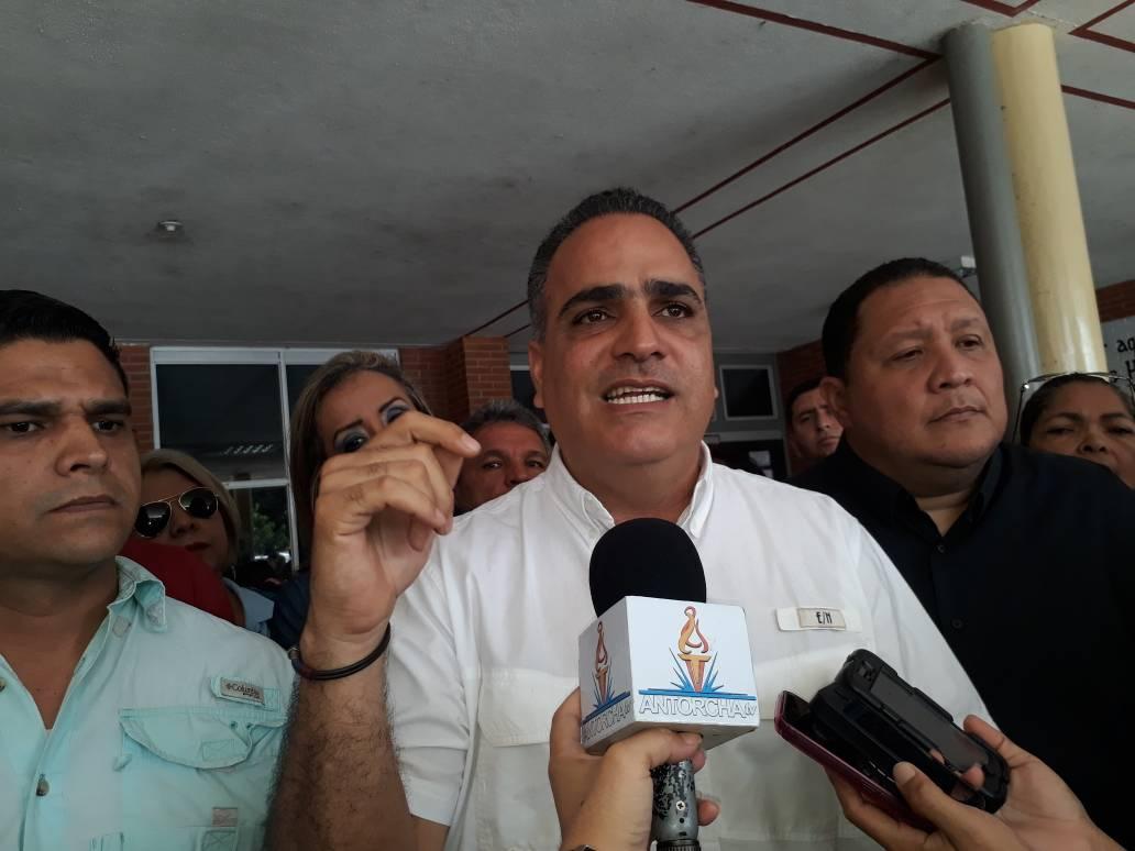 Raydán respalda denuncias y pide protección para director del Hospital