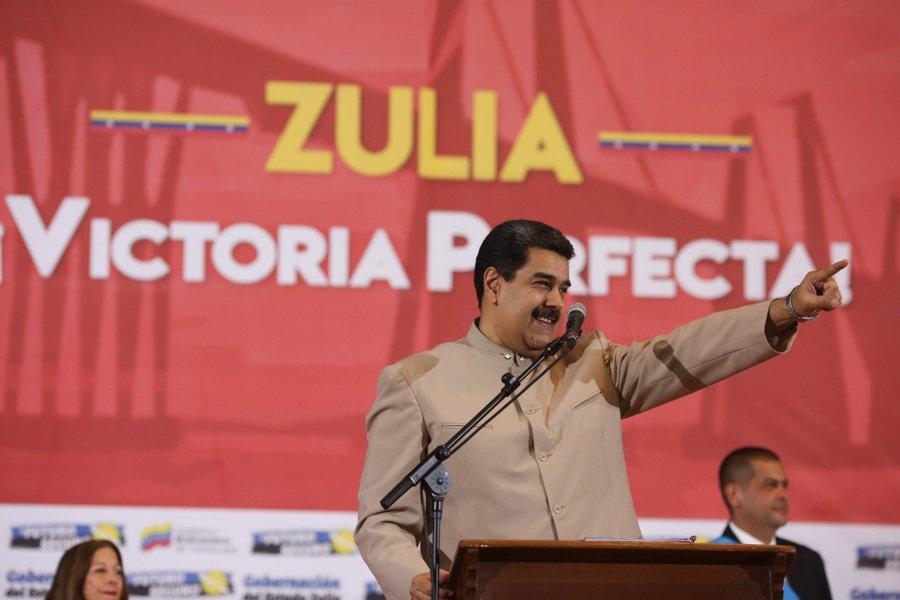 Maduro pospuso reunión con alcaldes y gobernadores para el martes 19D