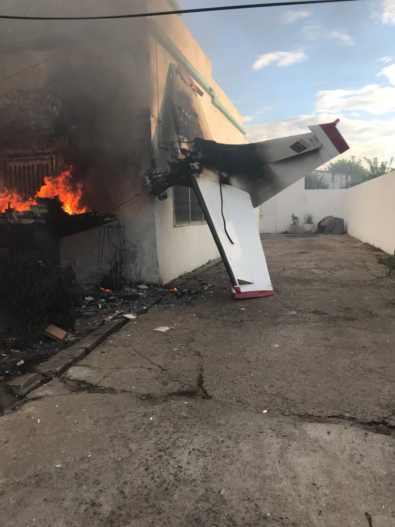 Empresario murió al estrellarse avioneta sobre una casa en Ciudad Bolívar