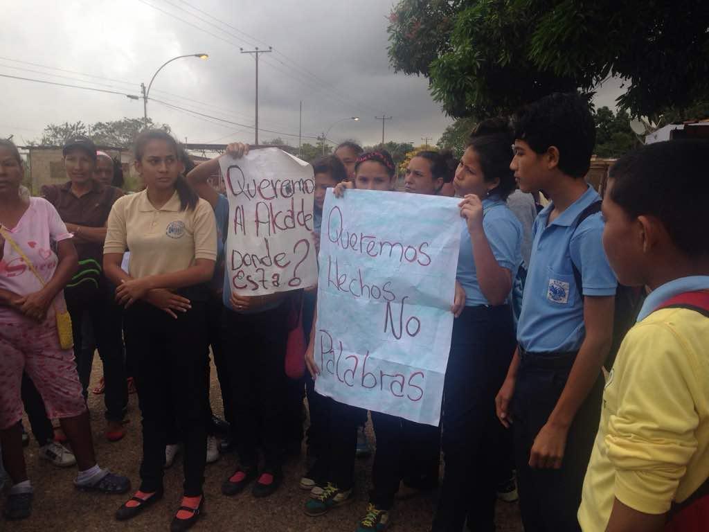 """Molestia por horario que """"obliga llevar la comida"""" en Escuela Granja de Guanipa"""