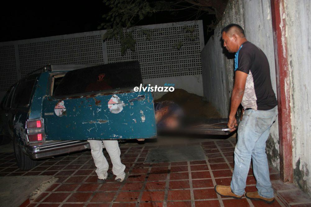 Tras volcamiento murió uno de los tres sujetos que robaron Toyota Hilux en Freites