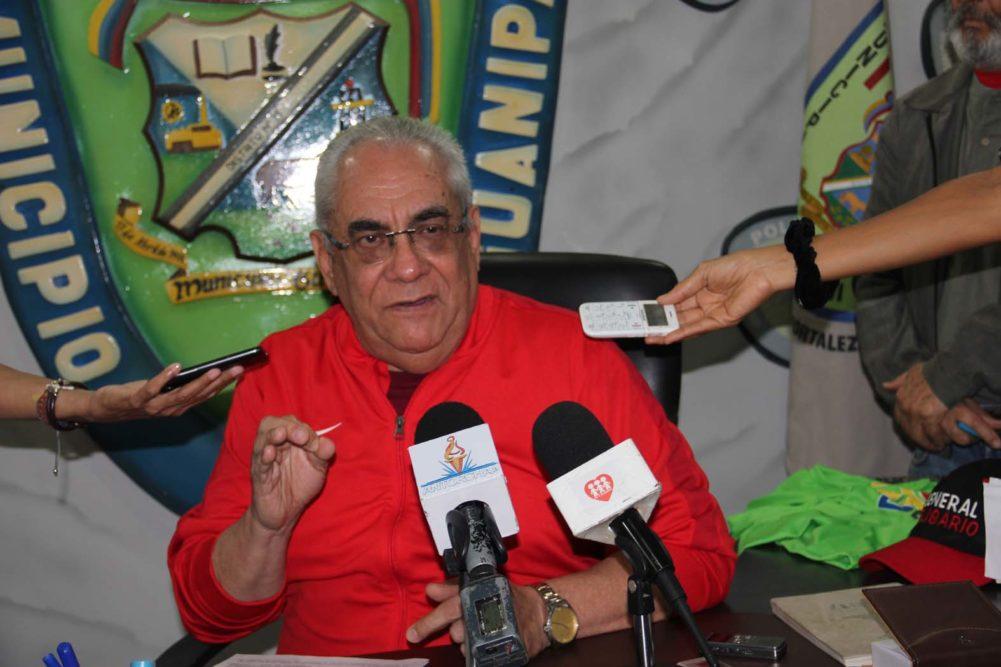 "Alcalde de Guanipa señala ""vividores de oficio"" al frente de comunas"