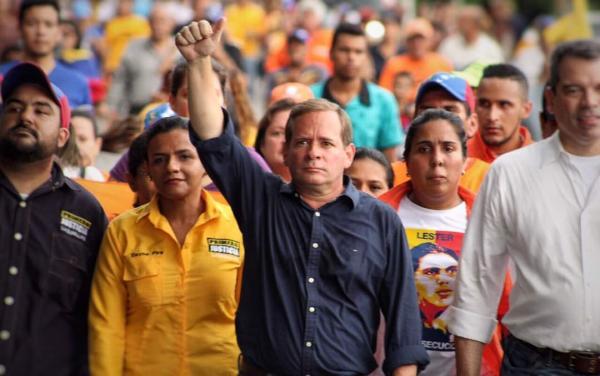 """Frente Amplio: Venezuela entró en un proceso de """"desobediencia masiva"""""""