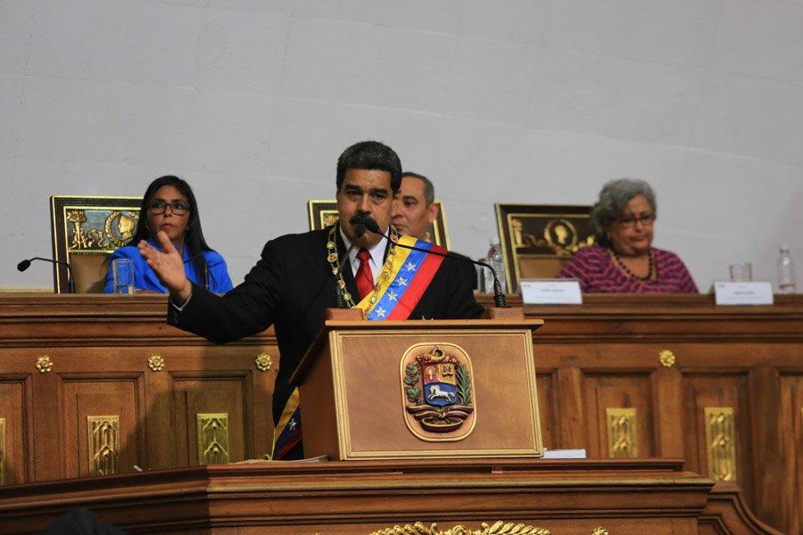 Maduro anunció seis líneas de acción en sesión solemne de la ANC