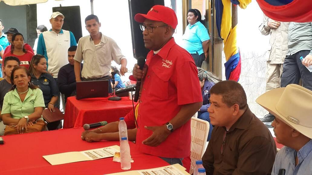 Istúriz inauguró Banco de la Comuna en municipio Mc Gregor
