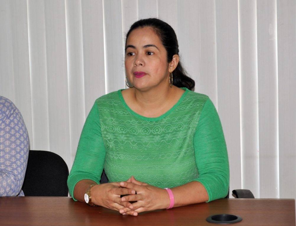 Primera dama de El Tigre colaboró en la selección de 10 Defensores Escolares