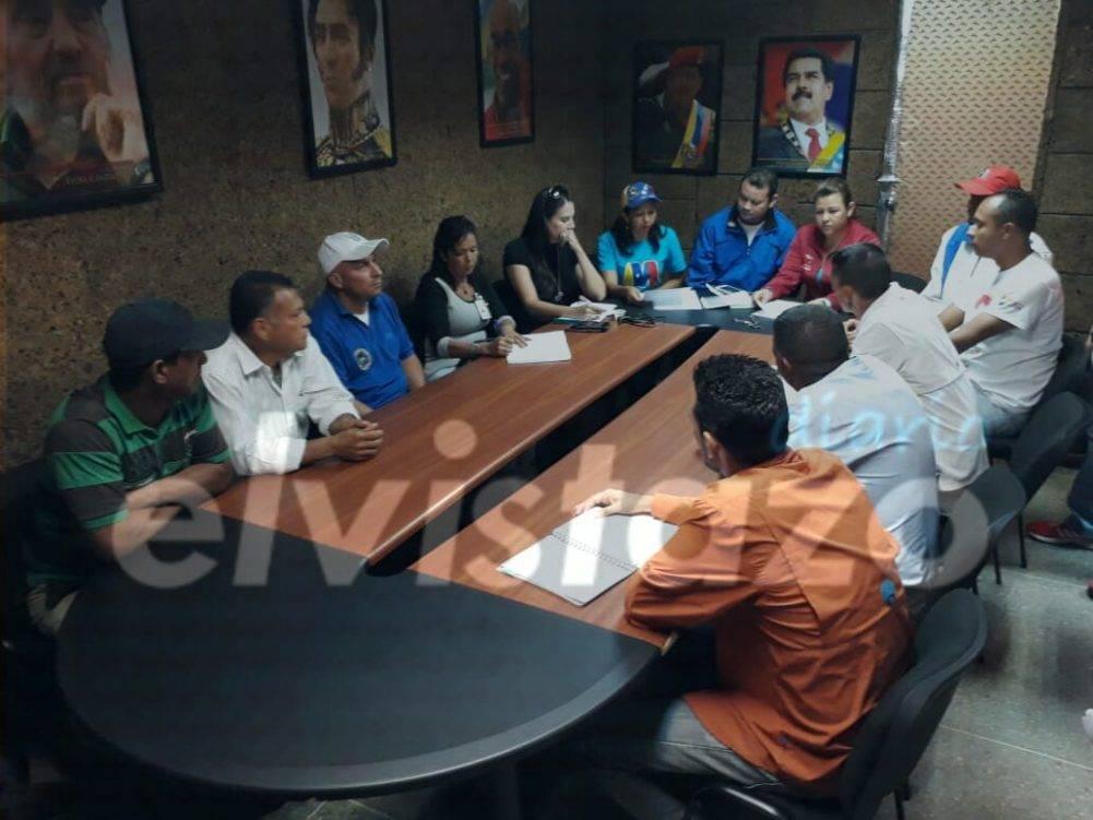 Rector informa acuerdos en transporte y seguridad para sedes de la UPTJAA El Tigre
