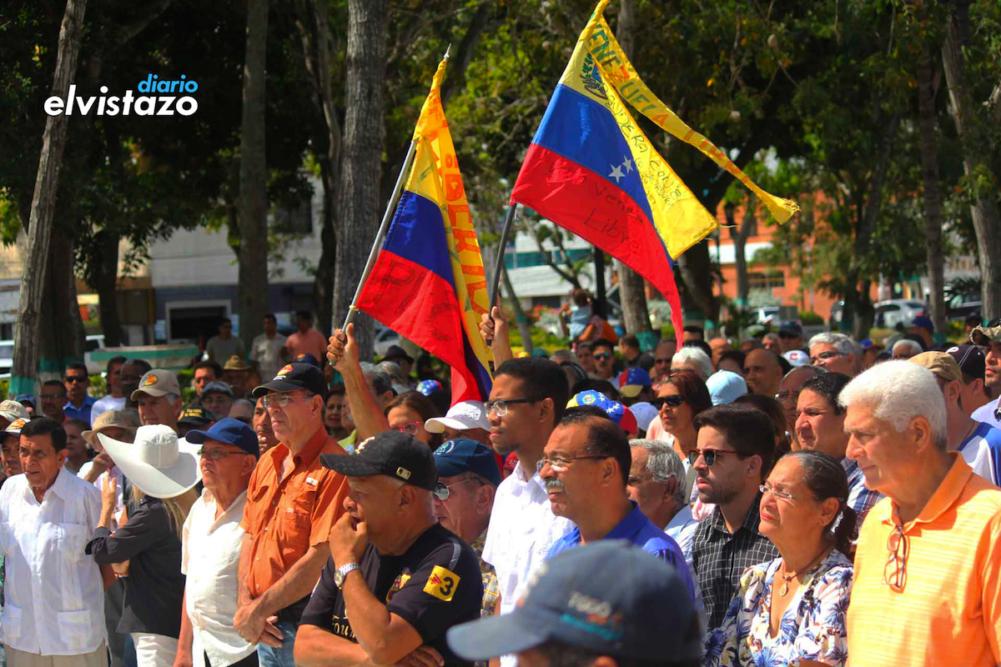 Fotos y videos #CabildoAbierto en la plaza Bolívar de El Tigre