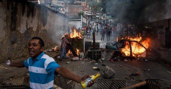 Represión en Cotiza: Desalojan personal del hospital Razetti de Caracas