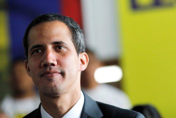 Guaidó ordena con decreto presidencial el ingreso de la ayuda humanitaria a Venezuela