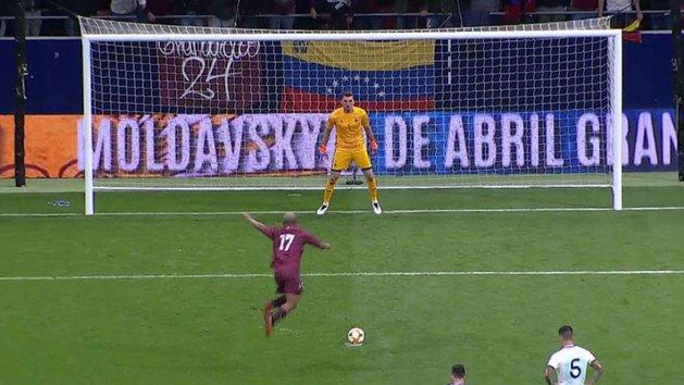 Josef Martínez selló el amistoso Venezuela – Argentina con un penalti en suspensión