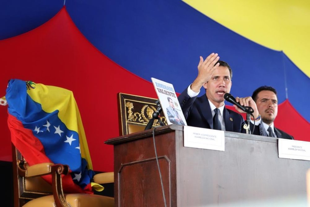 Sesión de calle en Las Mercedes: Asamblea Nacional aprueba regreso de Venezuela al TIAR