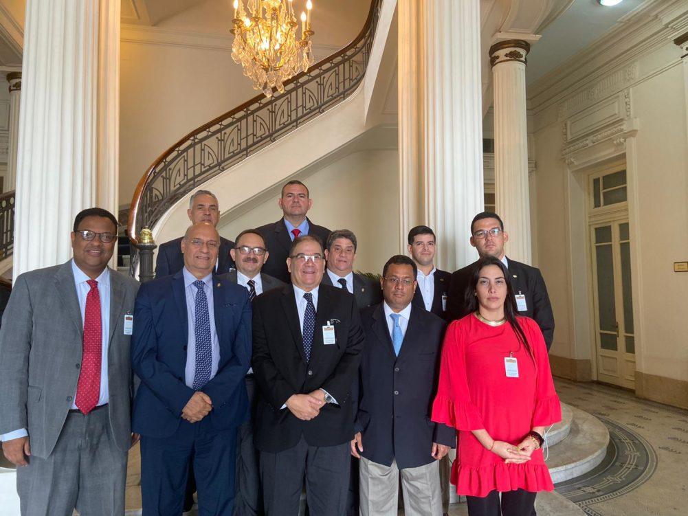Delegación venezolana se reincorpora al Parlasur