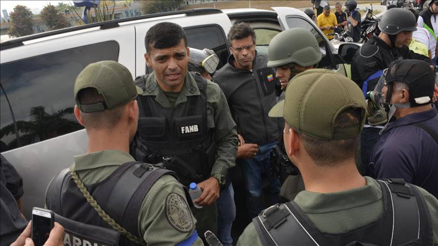 Panamá confirma que militares venezolanos del 30A se retiraron de su embajada en Caracas
