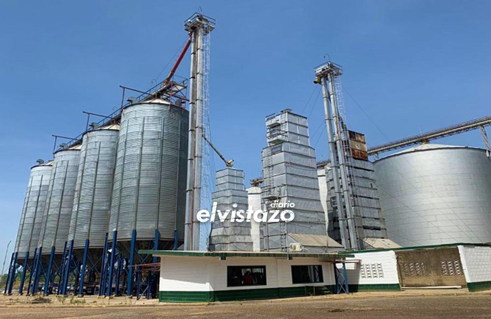 Maduro cede al sector privado la administración de empresas expropiadas por Chávez