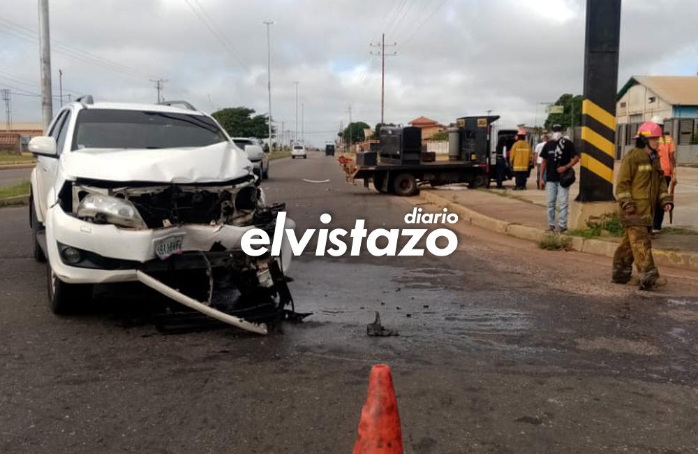 Dos lesionadas dejó colisión vehicular en el semáforo del San Remo Mall