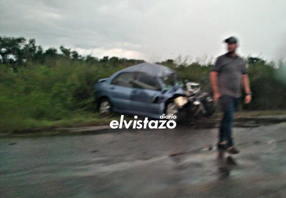 Hombre de 58 años de edad falleció en carretera de Anzoátegui tras accidente entre Mitsubishi Lancer y furgón Chevrolet